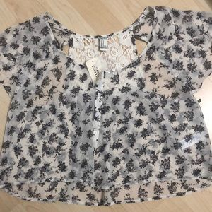 Woman's woven top